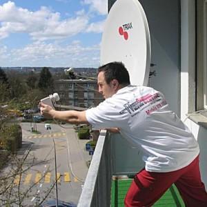 Satelliten-Schüssel Installation