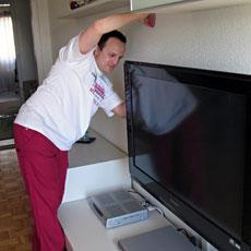 Flat-TV an Wand montieren